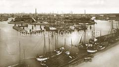 Historische Motive vom Harburger Hafen (ca. 1890); Ewer liegen am Kai - Industrieanlagen auf der Schlossinsel; im Hintergrund die Süderelbe.