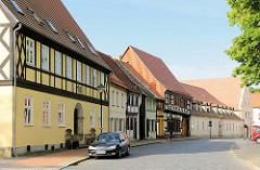 Fachwerkhäuser - Wohnhäuser an der Strasse - Bilder aus der Hansestadt Gardelegen.