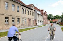 Leerstehende Wohnhäuser an der Domherrnstrasse in der Hansestadt Havelberg.