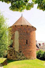 Historischer Pulverturm der Hansestadt Stendal - Wehrturm der ehm. Stadtmauer, erbaut um 1450.