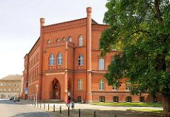 Neogotische Backsteinarchitektur in Stendal - Gebäude Landgericht