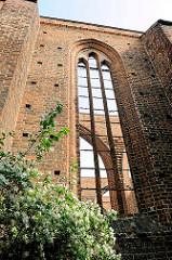 Kirchenfenster der Nikolaikirche der Hansestadt Gardelegen; Baubeginn ca. 1200; durch Bombenangriff 1945 teilw. zerstört.