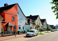 Doppelhäuser mit unterschiedlicher Fassadengestaltung - Wohnhäuser, Architekturbilder aus Tangermünde.
