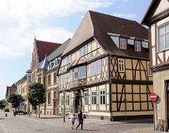 Historische Fachwerkarchitektur in der Hansestadt Gardelegen - Deutsches Haus am Rathausplatz.