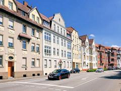 Etagenhäuser, mehrstöckige Wohnhäuser - Baustil Gründerzeit; Architektur in der Hansestadt Stendal, Südwall.