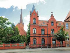Evangelisches Gemeindehaus - neogotische Backsteinarchitektur in Wittenberge.