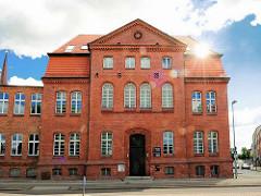 Historische Backsteinarchitektur, erbaut 1928; Bilder aus Wittenberge / Brandenburg.
