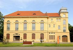 Jugendstilhaus / Architekturstil Historismus - Logengebäude in Magdeburg, erbaut 1903; jetzt Stadtbibliothek Wilhelm Weitling.