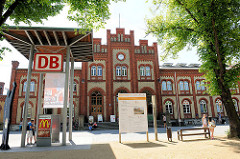 Bahnhof Stendal -  Neogotik Backsteingebäude, eröffnet 1871.