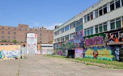 Aerosol-Arena in Magdeburg - altes Produktionsgelände der ehem. VEB Konsummühle -  Vereinsgelände von Freiluft-Atelier e.V., 30 000 Quadratmeter großes Industriegelände für alle Graffiti- und Streetart-Künstler.