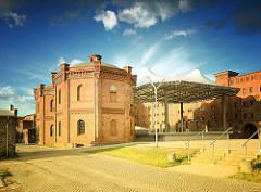 Historische Industiearchitektur - Alte Ölmühle in Wittenberge, erbaut 1856 - neue Nutzung als Hotel, Restaurant und Brauerei.