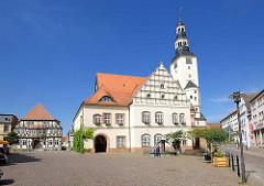 Rathausplatz und historisches Rathaus der Hansestadt Gardelegen; Sachsen-Anhalt.