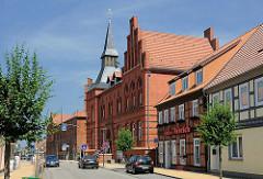Neogotischer Backsteinbau - erbaut 1883; Rathaus der Hansestadt Seehausen.