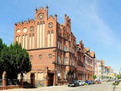 Neogotische Backsteinarchitektur - Wohnhäuser in der Frommhagenstrasse, Hansestadt Stendal.
