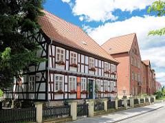 Alte Burg - Burggelände in Wittenberge - Fachwerkgebäude / Industriemuseum.