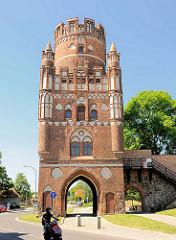 Uenglinger Tor - historisches Stadttor, erbaut um 1460.