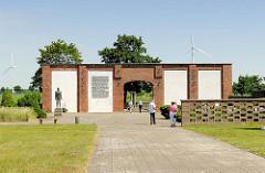 Mahn- und Gedenkstätte Isenschnibber Feldscheune in Gardelegen.