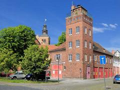Schlauchturm der Alten Feuerwache in Gardelegen - Ziegelgebäude.