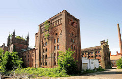 Brauereigebäude der Diamant-Brauerei in Magdeburg - Backsteinarchitektur, Industrieruine.