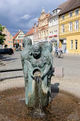 Bassewitzbrunnen am Marktplatz von Kyritz - Entwurf  Jan Witte-Kropius; 2007