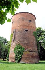 Burgturm von Salzwedel - historische Architektur der Hansestadt.
