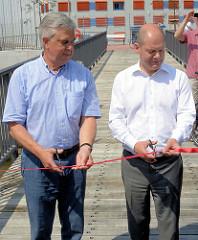 Hamburgs Erster Bürgermeister Olaf Scholz und Verkehrssenator Frank Horch haben am Großmarkt zwischen dem Stadtdeich und der Billhorner Brückenstraße ein 1,9 Kilometer lange Teilstück des Fernradwanderweges feierlich eröffnet. Der Elbradweg führt von