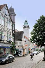 Bilder aus Salzwedel - im Hintergrund der achteckige Renaissanceturm des ehem. Neustädter Rathaus in der Hansestadt Salzwedel.