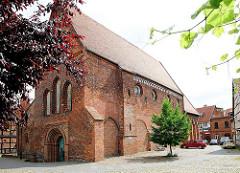 St. Lorenzkirche in Salzwedel; Backsteinarchitektur in der Übergangszeit von Romanik und Gotik entstanden, ab 1692 Salzlager.