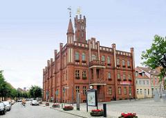 Rathaus der Hansestadt Kyritz,  erbaut 1879 im Tudorstil.
