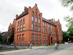 Ziegelgebäude - Jahngymnasium in Salzwedel, erbaut 1882