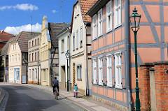 Wohnhäuser in der Mühlenstrasse von Perleberg - Fachwerkhäuser, Wohnhäuser Geschäfthaus unter Denkmalschutz stehend.