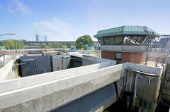Schleusenkammer der Brandshofer Schleuse in Hamburg Rothenburgsort - Verbindung von dem Oberhafenkanal / Norderelbe zur Bille.