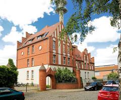 Wohnhaus - restaurierte Backsteinarchitektur der ehem. Garnison / Kaserne Perleberg.