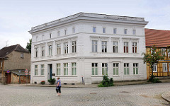 Eckgebäude - Baustil Historismus, Fachwerkgebäude in Kyritz.
