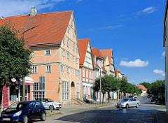 Mehrstöckige Fachwerkgebäude am Marktplatz von Kyritz.