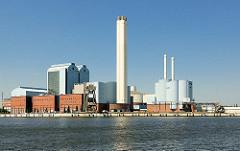 Heizkraftwerk Tiefstack in Hamburg Billbrook; Billwerder Bucht.