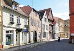 Historische Wohn- und Geschäftshäuser am Grossen Markt von Perleberg.