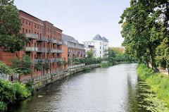Historische Backsteinarchitektur / Industriearchitektur umgebaut zu Wohnungen am Stadtkanal von Brandenburg an der Havel - Villa am Kanalufer.