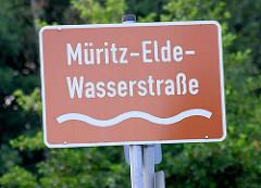 Schild Müritz Elde Wasserstrasse.