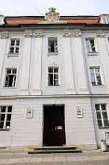 Eingang Standesamt Katharinenplatz in der Stadt Brandenburg a. d. Havel.