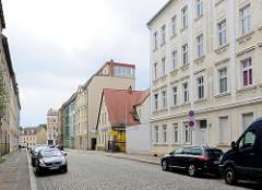 Wohnhäuser unterschiedlicher Baustile / Architekturstile in der Gutenbergstrasse von Brandenburg an der Havel.