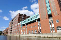 Verwaltungsgebäude / Bürogebäude am Mittelkanal in Hamburg Hamm / Eiffestrasse.