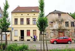 Alt + neu - restauriertes und verfallenes Wohnhaus in Brandenburg an der Havel.