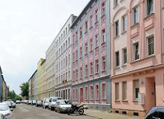 Mehrstöckige Gründerzeitblocks - Wohnblocks in der Vereinsstrasse von Brandenburg an der Havel.