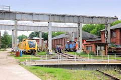 Industriegebiet Kirchmöser, Brandenburg an der Havel. Lokomotiven und Drehscheibe.