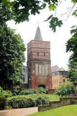 Rathenower Torturm in der Altstadt von Brandenburg an der Havel, erbaut Ende des 14. Jahrhunderts.