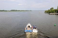 Blick von der Seegartenbrücke auf den Plauer See / Brandenburg an der Havel.