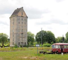 Wasserturm vom Bahnhof Pritzwalk; das Gebäude steht unter Denkmalschutz.