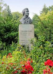 Heinrich Heine Denkmal am Heinrich-Heine-Ufer der Brandenburgischen Niederhavel in der Stadt Brandenburg.