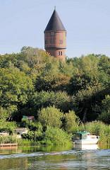Wasserturm von Lübz - 37m hoch, erbaut 1913.
